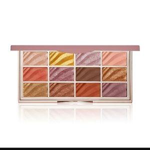 🌟 3 for 20 -  Ciate Velvet eyeshadow palette